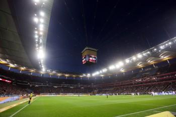 Topspiel unter Flutlicht: SGE gegen HSV.