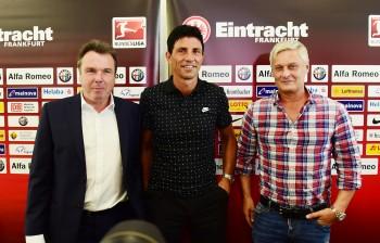 Zurück in Frankfurt: Trainer Armin Veh (rechts).