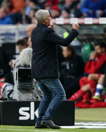 Will auch gegen die TSG Hoffenheim wieder jubeln. Trainer Armin Veh.