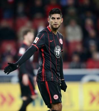 Bleibt der Eintracht zunächst treu. Abwehrchef Carlos Zambrano.