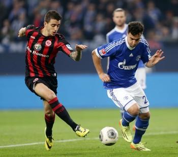 Deal soll heute fix gemacht werden. Der Schalker Kaan Ayhan (re.) wird den Konkurrenzkampf im Abwehrzentrum erhöhen.