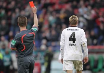 Franz sah in 50 Bundesligaspielen für die Eintracht 23 Mal Gelb und 1 Mal Gelb-Rot (in der 90. Minute in Hannover)