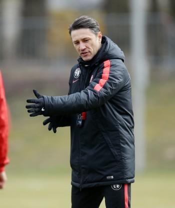 Eintracht-Coach Niko Kovac wünscht sich Gleichheit für alle Bundesligavereine und hat schlechte Nachrichten für die Eintracht-Fans.