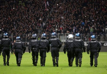 Eintrachtfans dürfen am Samstag nun doch, entgegen des Polizei-Plans, in die Darmstädter Innenstadt.