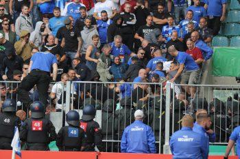 Nach den Vorfällen von Magdeburg wurden die ersten Täter in den Reihen der Eintracht-Chaoten ermittelt.