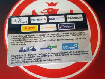 Kurzfristige Trennung: Das Logo der Lufthansa AG erscheint noch auf den aktuellen Dauerkarten.