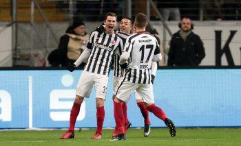 Branimir Hrgota bejubelt seinen Treffer zum 1:0.
