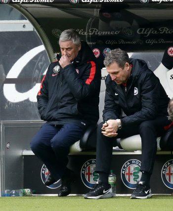 Verzweifelt und hoffnungslos: Die Miene von Ex-Coach Armin Veh wurde zum Symbol für das I. Quartal der Eintracht.