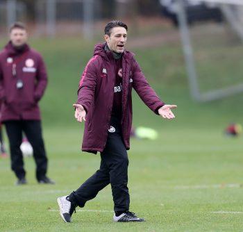 Niko Kovac will sich mit seiner Mannschaft ein Punktepolster anlegen.