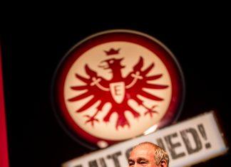 """Vereinspräsident Fischer ist """"stolzer Präsident eines stolzen Vereins"""". (Foto: Arndt Götze)"""
