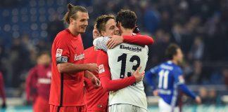 Torwart Heinz Lindner konnte bei seinem Startelf-Debüt in der Bundesliga die Null halten und sich mit seinen Teamkollegen über einen 1:0-Sieg auf Schalke freuen. (Foto: imago/Revierfoto)