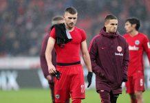 Enttäuschte Gesichter bei der Eintracht nach der deutlichen Niederlage gegen Bayer 04 Leverkusen.
