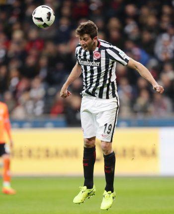 Abwehrchef David Abraham wird der Eintracht gegen Ingolstadt wieder zur Verfügung stehen.