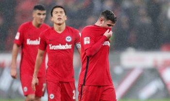 Die Eintracht verliert in der zweiten Halbzeit völlig den Faden - und somit auch das Spiel!
