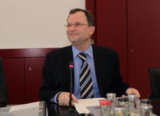 Jurist Hans E. Lorenz hat eine ganz klare Meinung zum Thema Kollektivstrafen.