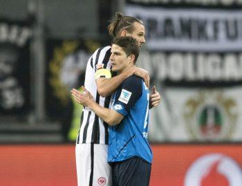 Sind Pirmin Schwegler (r.) und Alex Meier im Sommer wieder vereint? Um beide halten sich derzeit Gerüchte... (Foto: imago/Simon)