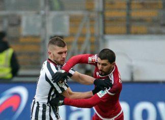 Spielen Almog Cohen (rechts) und Ante Rebic nächste Saison gemeinsam bei der Eintracht? (Foto: imago/Hübner)