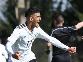 Aymen Barkok freut sich über seinen ersten Treffer im Nationaldress. (Foto: imago/Eibner)