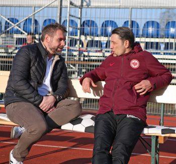 Bernd Hollerbach (li.) und Niko Kovac (re.) kennen sich aus gemeinsamen HSV-Zeiten. (Foto: Imago/Jan Huebner)