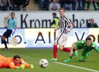 Branimir Hrgota scheitert an Yann Sommer. Er war aber nicht der einzige Spieler der Eintracht, der erneut Großchancen liegen gelassen hat.