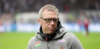Peter Stöger kann die negativen Stimmen im Umfeld der Eintracht nicht verstehen.