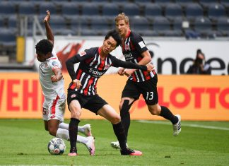 Leandro Barreiro Martins (FSV Mainz 05), Daichi Kamada (Eintracht Frankfurt), Martin Hinteregger (imago/Poolfoto)